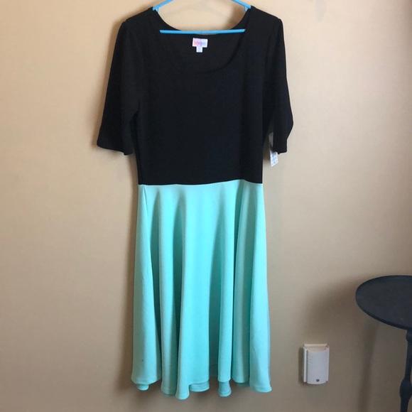 LuLaRoe Dresses & Skirts - NWT Lularoe Nicole dress XL